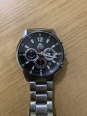 Часы наручные Orient Chronograph RA-KV0001B10B
