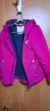 Лыжная курточка на девочку