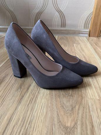 Замшеві туфельки , розмір 37-38