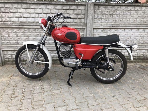 Wsk S1 z 1975 czerwona
