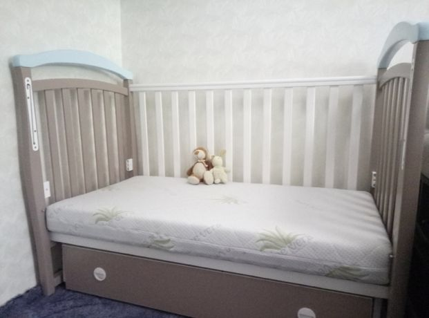 Комфортная кроватка для малыша Верес с ящиком, маятник мех-м