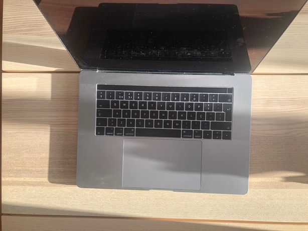 MacBook Pro 15'' 2017 | i7 3,8 GHz | 1TB Disco