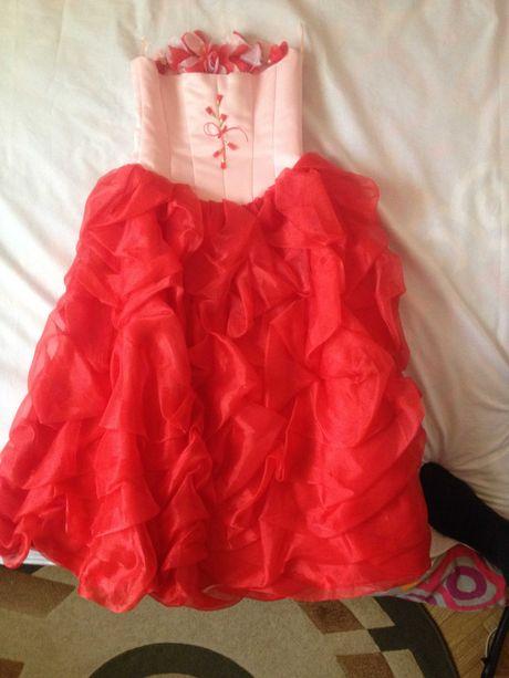 Пышное праздничное нарядное платье для девочки