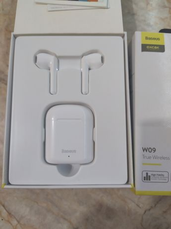 Навушники Baseus Encok W09 білі/чорні