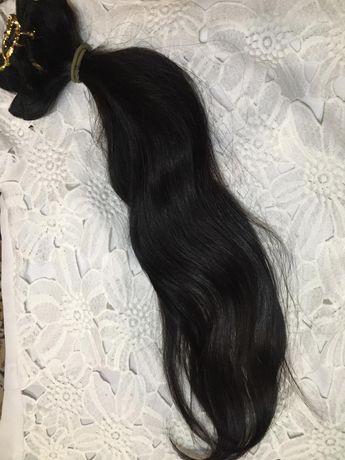 Натуральные чёрные волосы на трессах