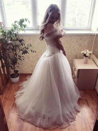 Продается нежное свадебное платье