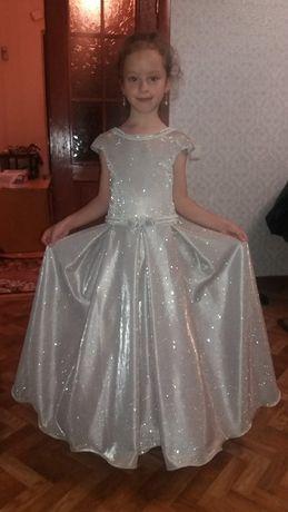 Продам нарядное,пышное, выпускное, бальное платье