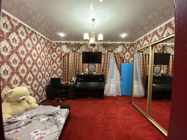 Продам 2 комнаты в коммуне в центре города!