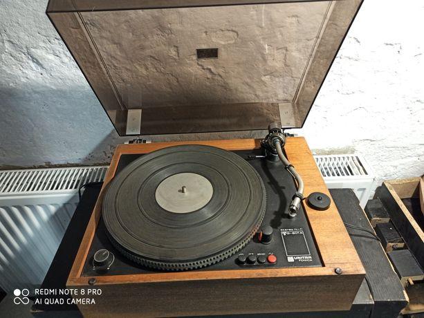 Gramofon UNITRA Fonica G-601A.