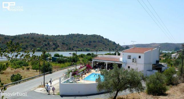 Fantástica Moradia com espaço comercial, frente ao rio Guadiana