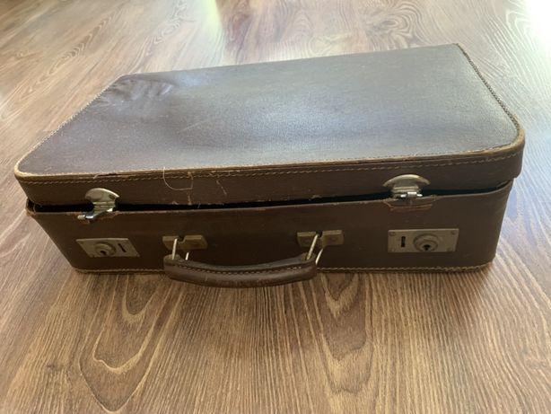 Stara zabytkowa walizka