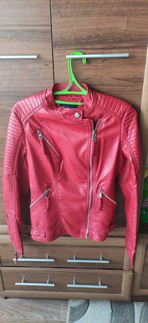 Продам весенюю женскую куртку