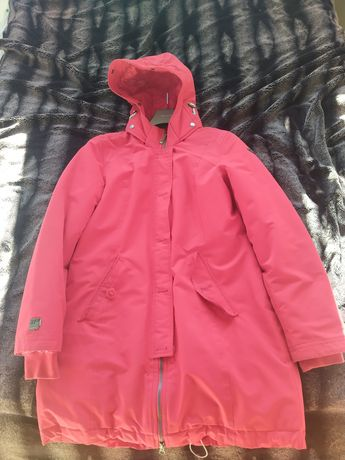 Зимове пальто червоного кольору