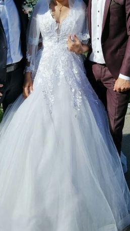 Свадебное платье модель 2019 года