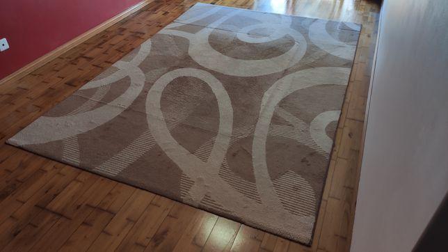 Carpete de chão.
