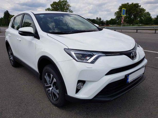 Аренда авто, прокат авто Toyota Rav 4 в Киеве без водителя