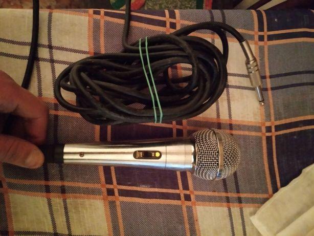 Мікрофон 200грн стан ілеальний від 4до6разів коризтувався