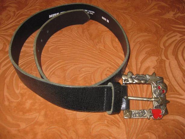 Ремень кожаный фирма MISS SIXTYс металлической пряжкой от фирмы.
