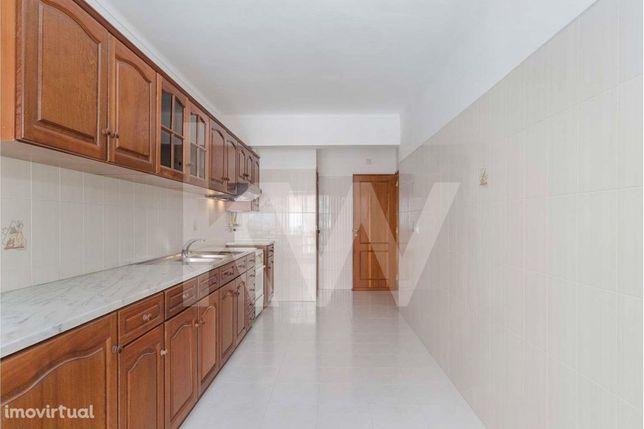 Apartamento T2 em Massamá - 6ªfase - Venha visitar !!