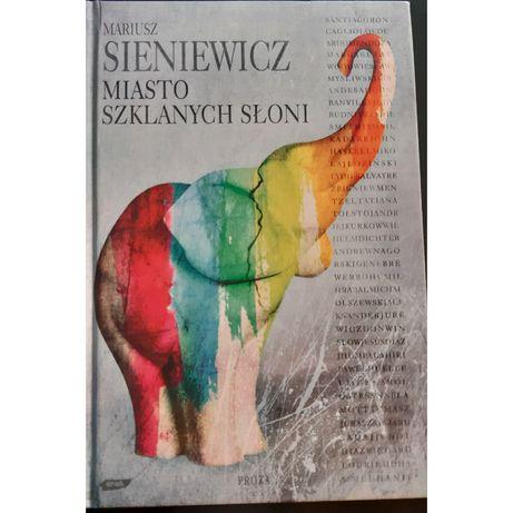 Książka na prezent. Miasto szklanych słoni. Sieniewicz