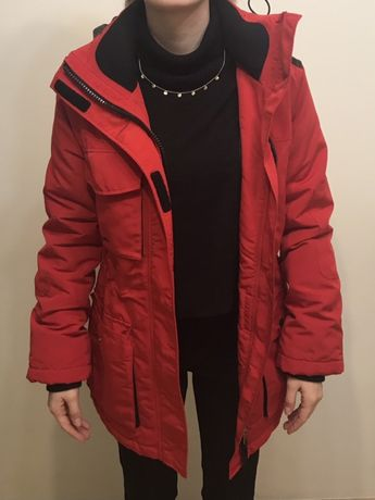 Kurtka zimowa Bershka XS czerwona