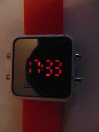 Zegarek quartz led watch.