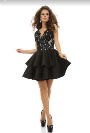 Бомбезное платье нарядное на тожество кружево с неопреном