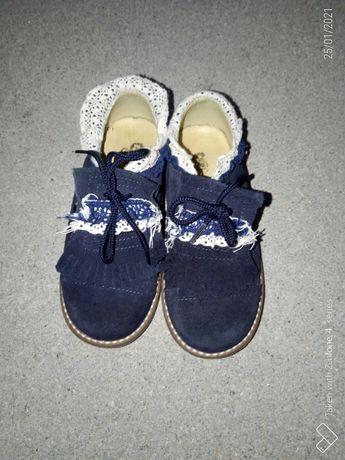 Sapatos de menina nr 28