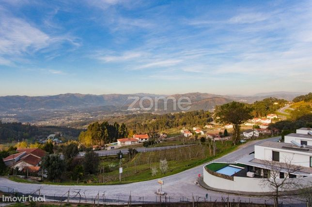 Lote de Terreno c/600 m2 na Póvoa de Lanhoso, Braga!