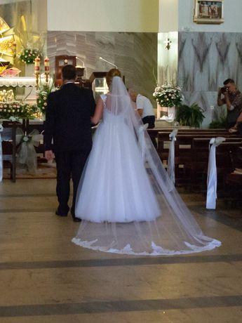 Katedralny welon ślubny 2,8 m