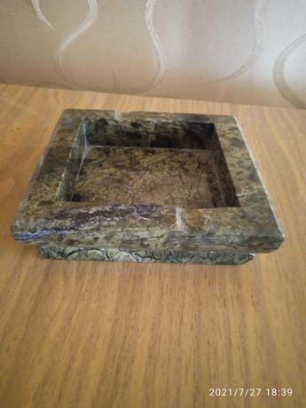 Пепельница ручной работы из поделочного камня змеевик