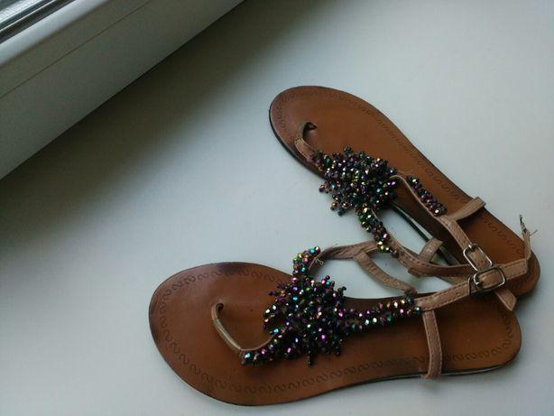 Натуральные кожаные сандали с камнями / вьетнамки