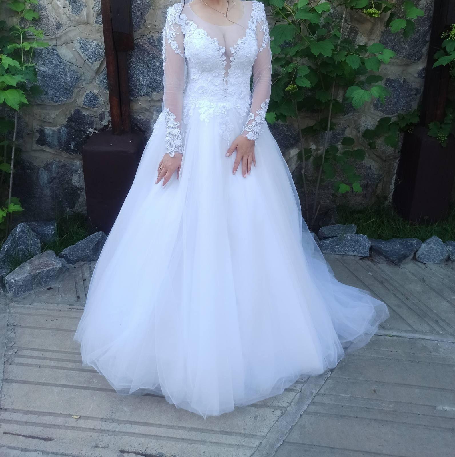 Продам свадебное платье 2020 года
