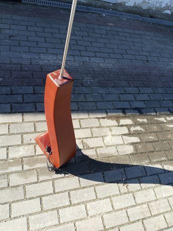 Stara lampa podłogowa