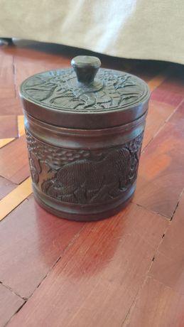 Caixa em madeira pau preto