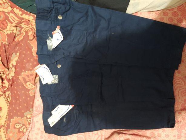 Продам брюки новые на мальчика 3-9 лет коттон размер 4s жилет на 1 год