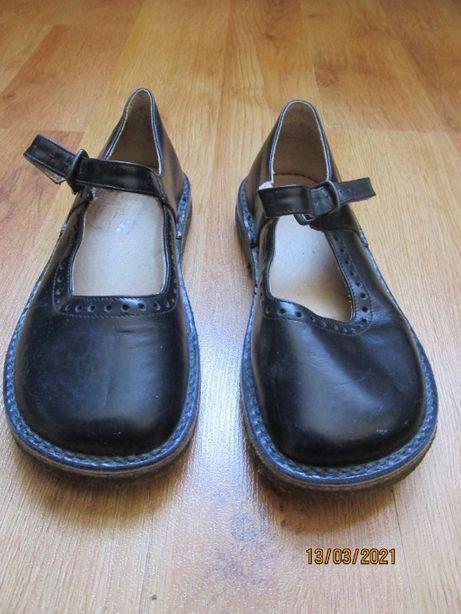 Дитячі шкіряні туфлі, 31 розміру