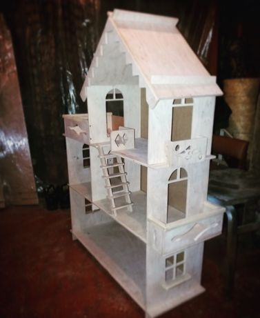 Домик деревянный