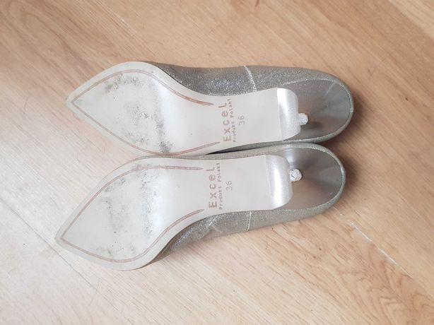 Buty na obcasie srebrne błyszczące