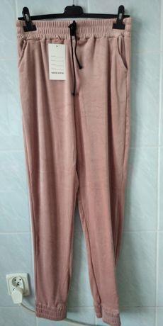 Spodnie welurowe bardzo elastyczne