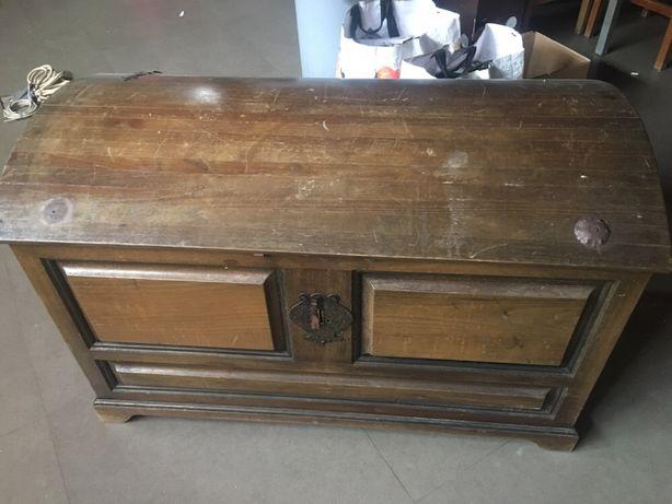 Arca/Bau em madeira