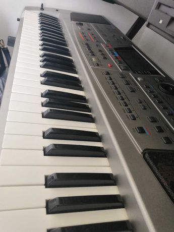 Keyboard Roland em-55