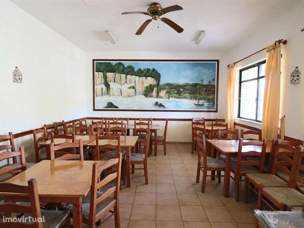 Restaurante pronto a funcionar em Alte-Azinhal