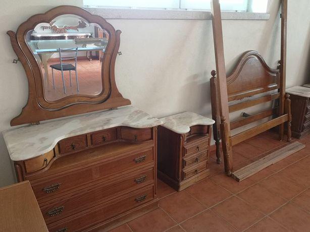 Mobília quarto estilo antigo