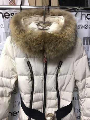 АКЦИЯПуховик ,куртка- пальто MONKLER (монклер) с натуральным мехом.