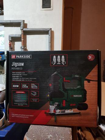 Wyrzynarka laserowa z poziomica Parkside