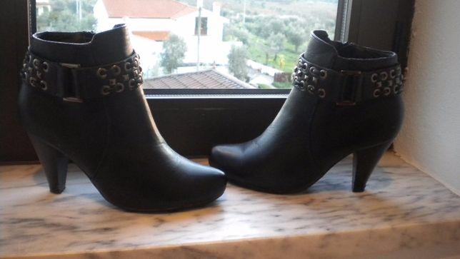 Botins pretos Nº 36 Calçado Guimarães