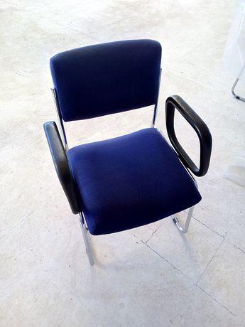 Cadeiras fixa c/ braços