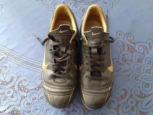 Korki buty piłkarskie Nike rozmiar 35