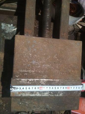 Тиски станочные 250 мм